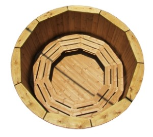 Wooden hot tub with external heater